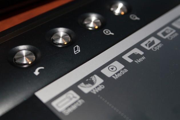 Brushed Steel Buttons on the Genius EasyPen M610XA