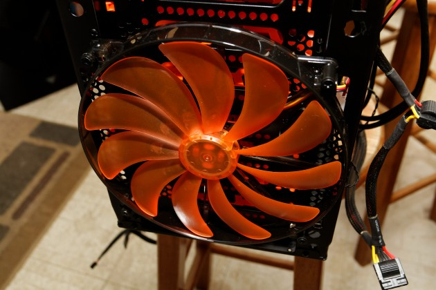 Cougar Challenger front 200mm fan